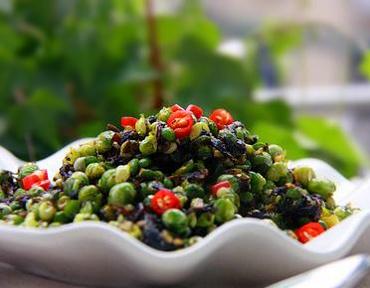 橄榄菜可以与其它蔬菜一起炒,弥补其营养不足。图片来自http://www.tfysw.com